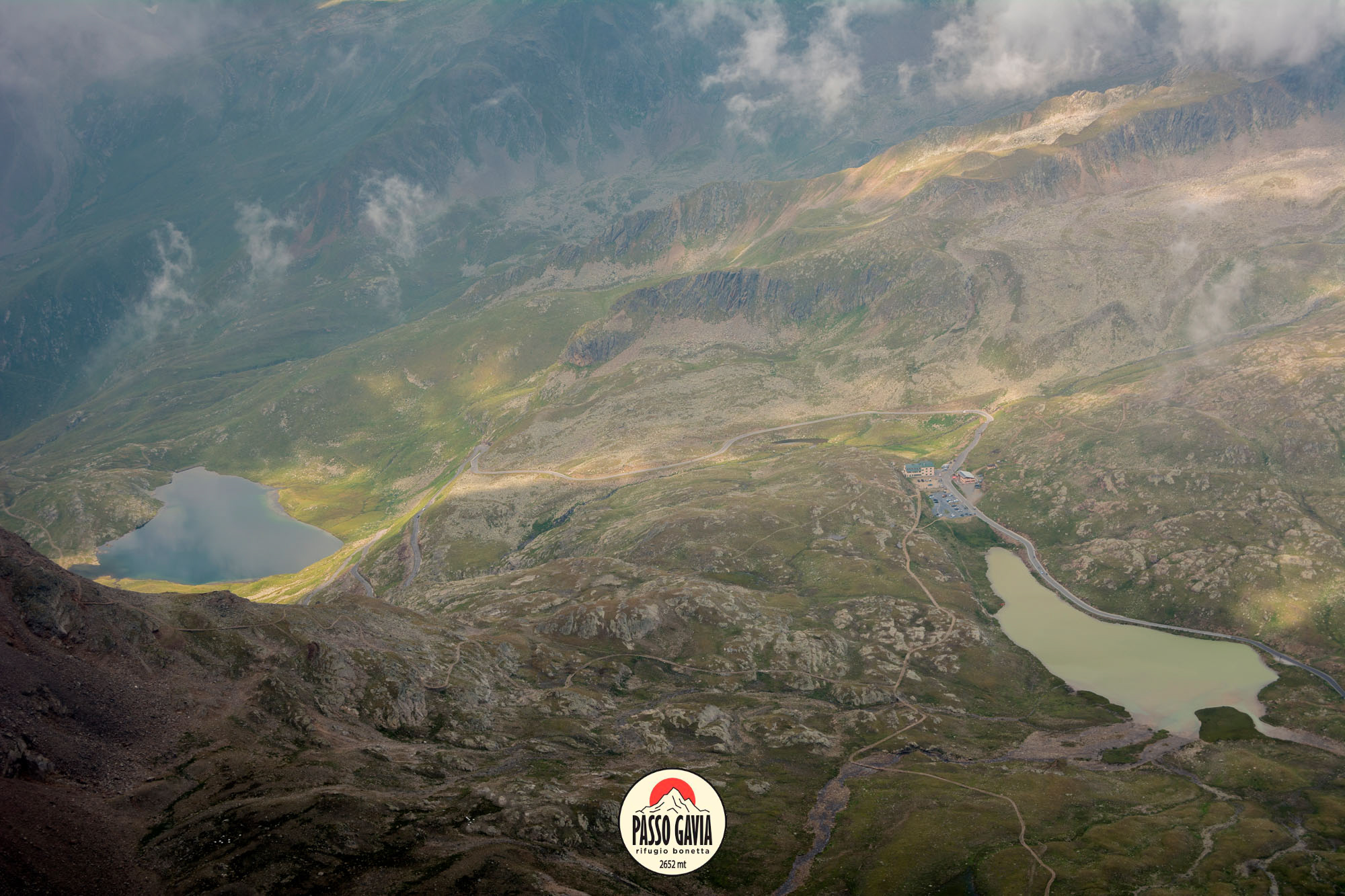 La Leggenda del Lago Bianco e del Lago Nero al Passo Gavia